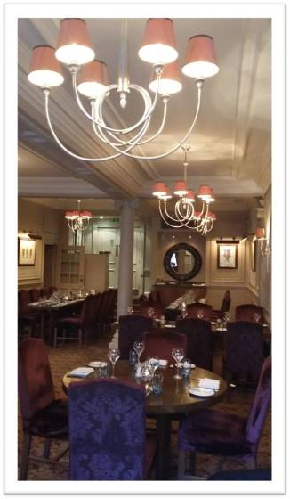 18 Restaurant at Mercure Windsor Castle Hotel