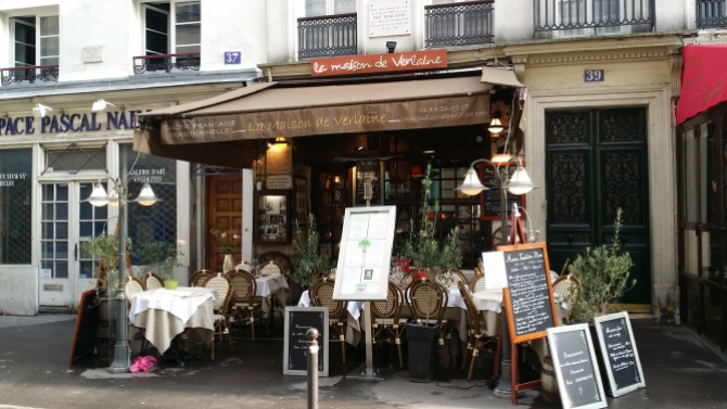 Rue Mouffetard is located on Montagne Sainte-Geneviève with the Panthéon at the top of the hill.