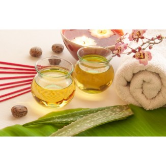 A massage with intense moisturizing Canarian Aloe Vera, known for its many healing and skin moisturizing properties.